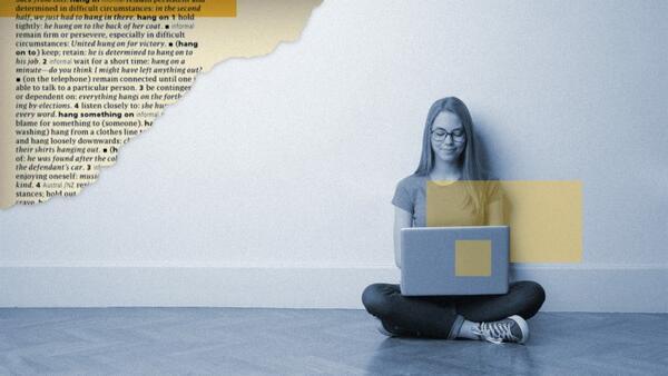 girl-on-laptop-blog